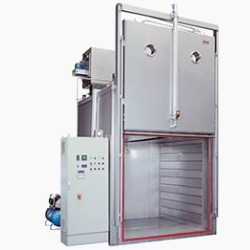 Circulating air tempering oven in a gas-tight version